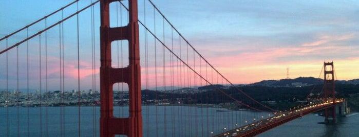 สะพานโกลเดนเกต is one of Bridges of the Bay Area.