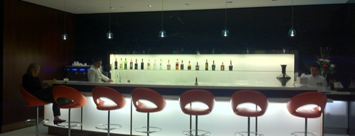 ETIHAD Business Class Lounge is one of Posti che sono piaciuti a Lara.