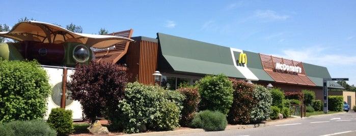 McDonald's is one of Lugares favoritos de Nathalie.
