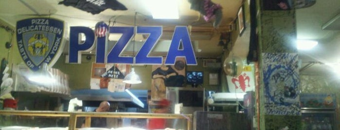 Pizzaria Papparazzi is one of Places to Eat.