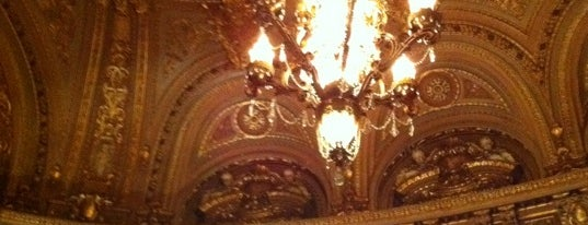 Landmark Loew's Jersey Theatre is one of Places I gotta go to (wish list).