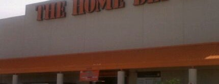 The Home Depot is one of Lugares favoritos de Gregory.