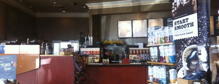 Starbucks is one of Orte, die Clark gefallen.