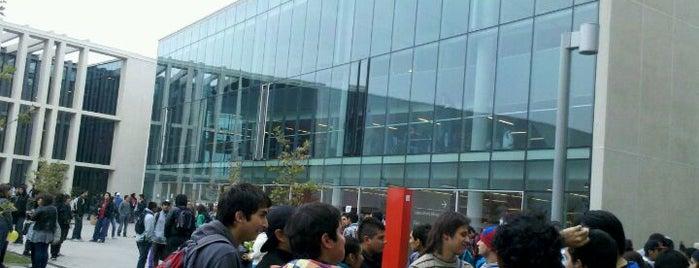 Universidad Tecnológica de Chile INACAP is one of Orte, die Sebastián gefallen.
