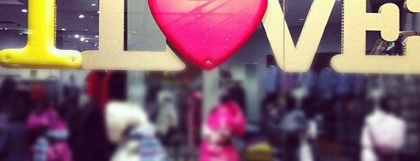 shoppingshoppingshoppingshopping ;)