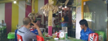 Bebek & Ayam Goreng Bu Lely is one of Probolinggo.