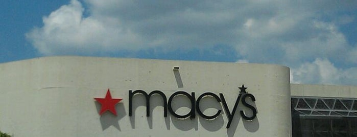 Macy's is one of Lugares favoritos de Ursula.
