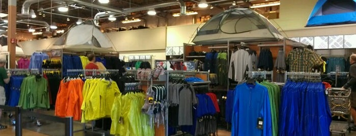 Columbia Sportswear Employee Store is one of To do in Portland.
