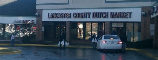 Lancaster County Dutch Market is one of Tempat yang Disukai Adrian.