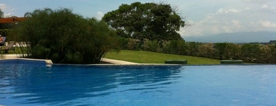 Avalon Country (Casa Club) is one of Orte, die Chia gefallen.
