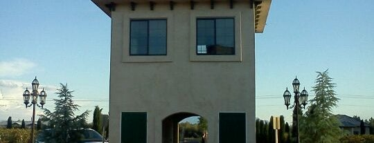Sanders Family Winery is one of Outside Vegas.