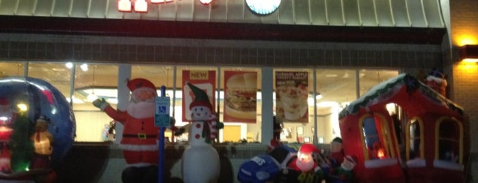 Wendy's is one of Locais curtidos por Richard.