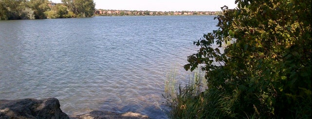 Professor's Lake is one of Lieux qui ont plu à Ashleigh.