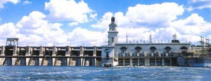 Цимлянск is one of Города Ростовской области.