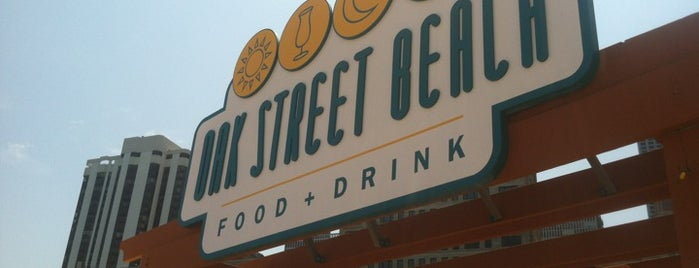 Oak Street Beach Food + Drink is one of Chicago Insider!.