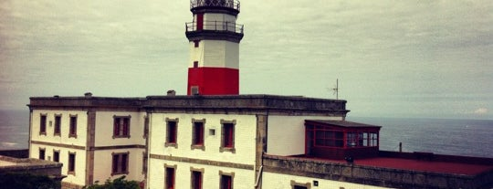 Faro de Cabo Silleiro is one of Faros.