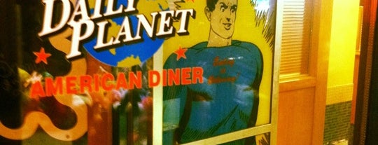 The Daily Planet Diner is one of Bow to the Burger.