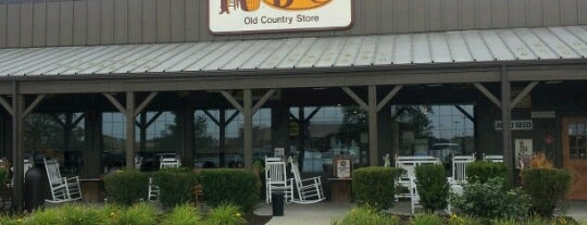 Cracker Barrel Old Country Store is one of สถานที่ที่ Marco ถูกใจ.