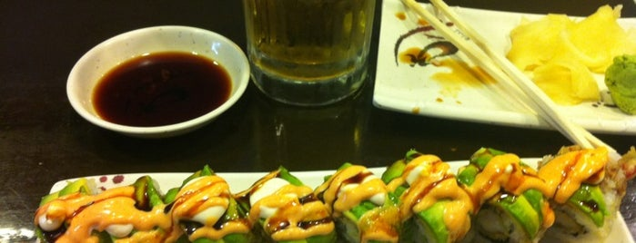 Omega Sushi is one of Lugares favoritos de Malia.