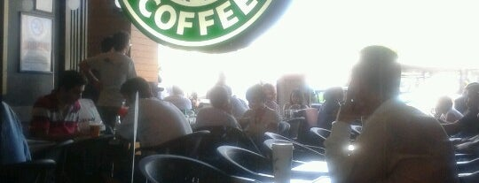 Starbucks is one of Locais curtidos por Halil G..