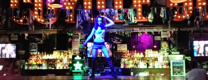 Coyote Ugly is one of St Petesburg.