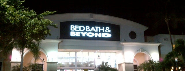 Bed Bath & Beyond is one of Tammy's Liked Places.