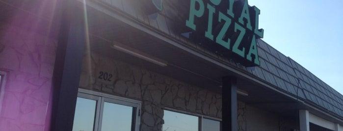 Texas Royal Pizza is one of สถานที่ที่บันทึกไว้ของ Rebecca.