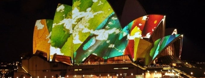 Vivid Sydney - A Festival Of Light, Music & Ideas is one of Orte, die El Micho gefallen.