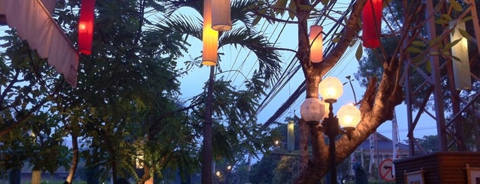 Khop Chai Deu is one of SOUTH EAST ASIA Dining with a View.
