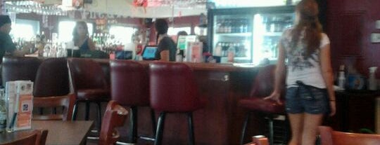 Fire & Ice Bar & Grill is one of Orte, die Erica gefallen.