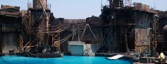 WaterWorld is one of Universal Studios Hollywood Loop.