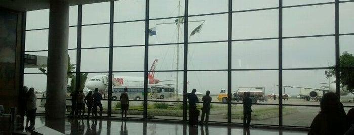 Aeroporto do Rio de Janeiro / Santos Dumont is one of Aeroportos.