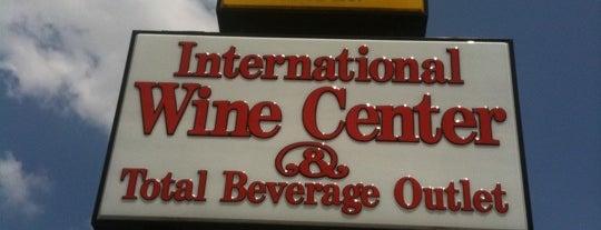 Brown Derby International Wine Center is one of Gespeicherte Orte von Jennifer.