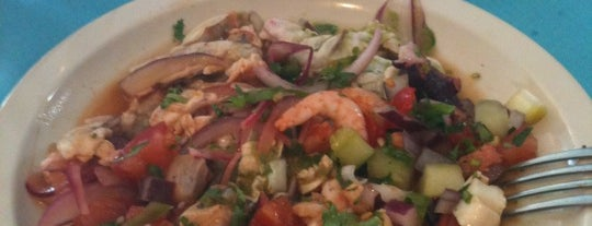 Mariscos Puerto Pacífico is one of Bobさんのお気に入りスポット.