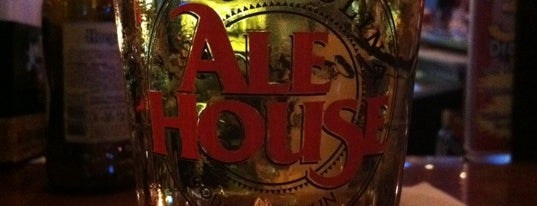 Carolina Ale House is one of Tempat yang Disukai Harry.