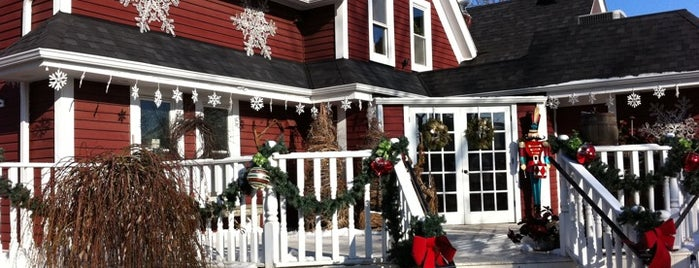 The Gingerbread House is one of Lieux qui ont plu à Brent.