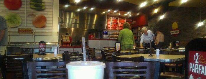 Cheeseburger Bobbys is one of Locais salvos de Seville.