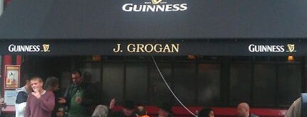 Grogan's is one of Dublin Literary Pub Crawl.