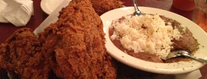 Fiorella's Cafe is one of New Orleans To-Do List.