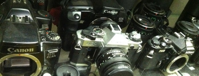 Southeastern Camera is one of Orte, die Dan gefallen.
