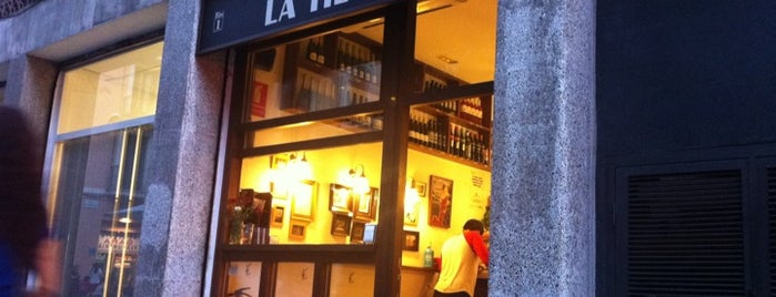La Tieta is one of Tapas y birra.