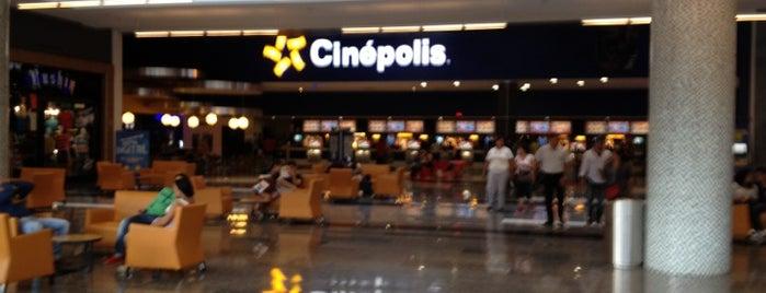 Cinépolis is one of Tempat yang Disukai GloPau.