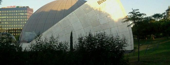 IMAX Madrid is one of Orte, die Irina Luiza gefallen.