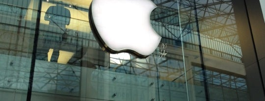 Apple Victoria Square is one of Belfast ~ Béal Feirste.