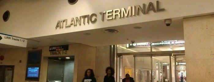 Atlantic Terminal is one of Tempat yang Disukai Jason.
