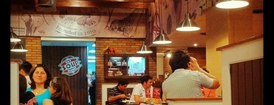 Mamut Restaurant is one of Paulina 님이 좋아한 장소.