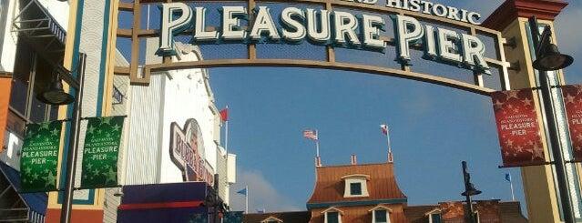 Galveston Island Historic Pleasure Pier is one of Galveston.