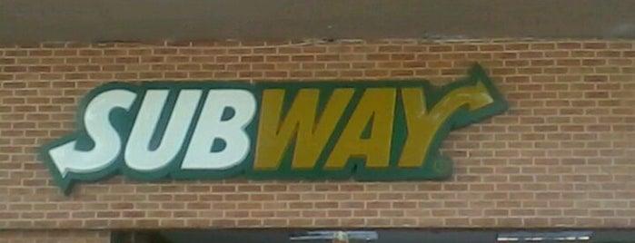 Subway is one of Comida & Diversão RJ.