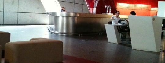 Singularis Restaurante is one of Bars & Restaurants, I.