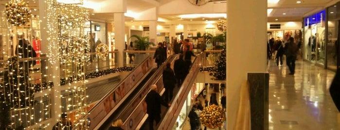 Kozyatağı Carrefour AVM is one of İstanbul'daki Alışveriş Merkezleri.